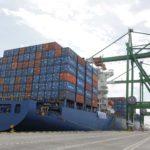 Teluk Lamong Makin Digemari Kapal Raksasa