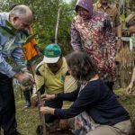 Dubes AS Puji Lingkungan di Surabaya