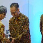 Kalbe Farma dan Petrokimia Raih Award
