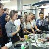 Saat Mahasiswa 'Bule' Masak Makanan Lokal