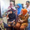 Risma Kunjungi Keluarga KPPS yang Meninggal