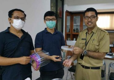 ITS Produksi Face Shield Mask