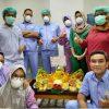 Khofifah Kirim Tumpeng ke Dokter RS